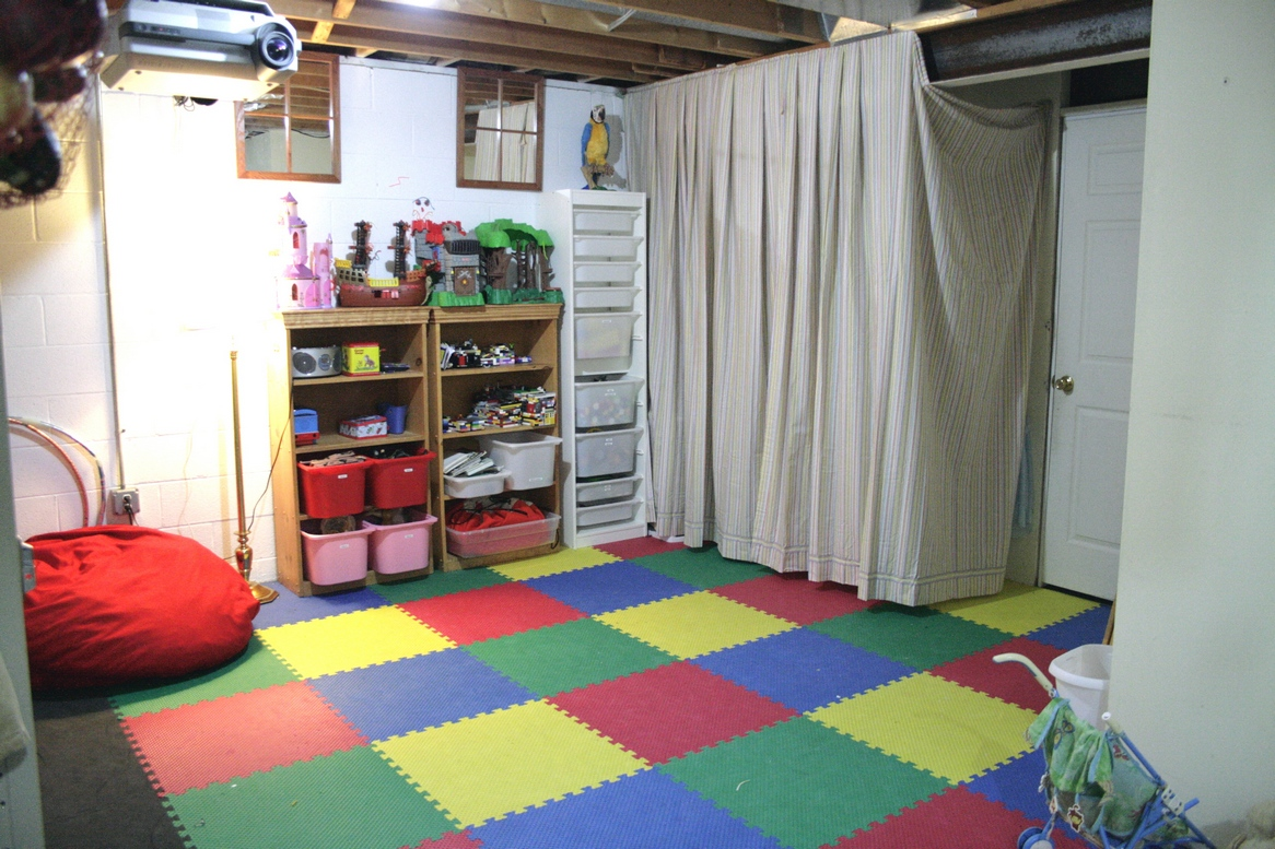 Garage playroom ideas houses plans designs for Playroom floor ideas